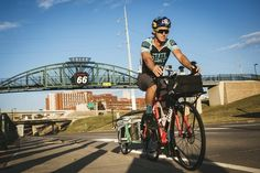 Man cycling from Chicago to Los Angeles on historic Route 66