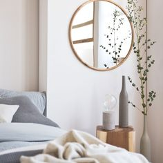 Round natural wooden mirror - MIRRORS - DECORATION | Zara Home United States of America
