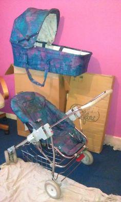 Bebe Confort Pram and Push Chair Vintage Stroller, Vintage Pram, Retro Vintage, Prams And Pushchairs, Retro Baby, Baby Prams, Travel System, Sweet Memories, Little Sisters