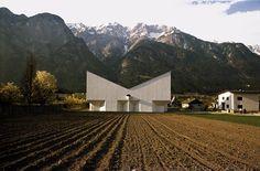32_JOSEF LACKNER, KIRCHE VOLS, TIROL, AUSTRIA, 1965-1967 Sacred Architecture, Architecture Details, Cliff House, Angel, Mountains, Building, Travel, Tirol Austria, Friedrich