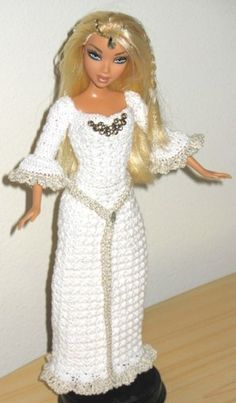 Lady in White Medieval Dress crochet pattern for by Livingwater
