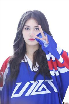 All About I.O.I's Members — Somi @ 'White Night' MV behind the scene Jeon Somi, Kpop Girl Groups, Kpop Girls, Jung Chaeyeon, Pre Debut, Girl Photo Poses, Boy Hairstyles, Ulzzang Girl, My Beauty