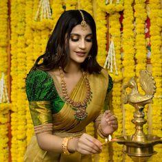 Wedding Saree Blouse Designs, Half Saree Designs, Silk Saree Blouse Designs, Fancy Blouse Designs, Designs For Dresses, Hand Work Blouse Design, Stylish Blouse Design, Long Dress Design, Antique Jewellery