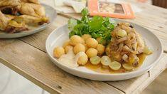 Piepkuiken met druivensaus en aardappelbolletjes | Dagelijkse kost