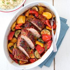 chili marinated pork with baked vegetables Pork Recipes, Cooking Recipes, Marinated Pork, Baked Vegetables, International Recipes, Ratatouille, Pot Roast, Dinner Recipes, Food And Drink