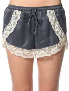 On a lazy sunday. Ny people like wearing pajama shorts to lounge around. At should you do if you cannot find the perfect pajama shorts he Lingerie Patterns, Sewing Lingerie, Diy Shorts, Nightgown Pattern, Pajama Pattern, Lazy Day Outfits, Textiles, Pajama Shorts, Pajamas Women