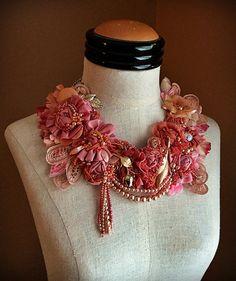 PIVOINE rose pêche perles dentelle collier par carlafoxdesign