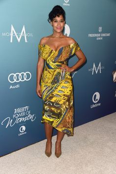 Tracee Ellis Ross Off-the-Shoulder Dress - Tracee Ellis Ross cut a vibrant and sophisticated figure at the Power of Women luncheon in a Vivienne Westwood print dress featuring the brand's signature off-the-shoulder cut and wasp-waist silhouette. Tracey Ellis, Edgar Ramirez, Tracee Ellis Ross, Love Her Style, Celebs, Celebrities, Beautiful Black Women, Powerful Women, African Fashion