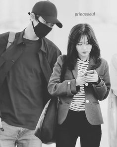 "154 Suka, 1 Komentar - Chanyeol Seulgi (@chanyeol.seulgi) di Instagram: ""Love this edit💕 . #ChanyeolSeulgi #Chanseul #Chanyeol #Seulgi #EXO #RedVelvet #찬슬 #찬열 #슬기 #엑소 #레드벨벳"" Kang Seulgi, Red Velvet Seulgi, Chanyeol, Love Story, Kpop, Bang Bang, Couples, Celebrities, Boys"