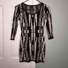 Printer 3/4 Sleeve Sweater Dress Cute body con that will keep you looking cute in the cold weather! Very flattering. Forever 21 Dresses Long Sleeve