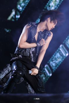 My hot Jongin <3 <3 <3