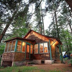 #cabin #cabinporn #logcabin #cabinlife #cabininthewoods #cabininspiration #mountains #nature #love #photo #photooftheday #cottage #relaxing #camping #tinyhouse #rustic by nothingoverlyfancy