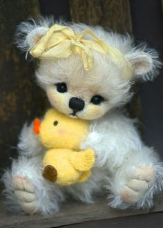 These are the cutest bears I EVER saw!  Love them! This crafter is so talented!