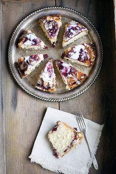 glazed raspberry coffee cake| heathersfrenchpress.com #breakfastrecipes #coffeecake