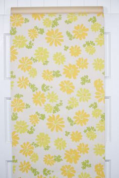 retro 1960s vintage floral wallpaper Vintage Floral Wallpapers, Yellow Daisies, Retro Wallpaper, Room Dimensions, Mid Century Furniture, 1960s, Quilts, Pattern, Square Feet