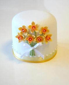 mini cake by Rachelle's Cakes Mini Wedding Cakes, Wedding Cakes With Cupcakes, Mini Cakes, Pretty Cakes, Cute Cakes, Fondant Cakes, Cupcake Cakes, Daffodil Cake, Petit Cake