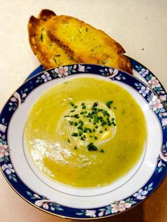 As the name of this post suggests, the two main ingredients in this soup are zucchini and leek, but I also included potatoes for creaminess and texture. Zucchinis are one of the only vegetables tha...