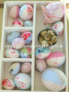 Easter Decoration - Handmade Easter eggs, covered with fabric - smukketing.blogspot.de