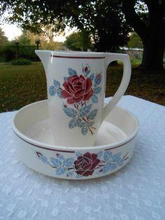 Service de toilette  Badonviller   les roses  . vasque et pichet
