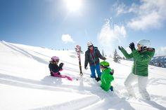 Winterurlaub für die ganze Familie in Wagrain - Skiurlaub in den Österreichischen Alpen. Familienfreundliche Hotels, Mount Everest, Mountains, Nature, Travel, Ski Trips, Winter Vacations, Family Activity Holidays, Alps