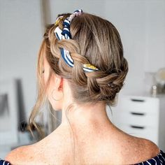 The Best Hair Braid Styles Hey girls! Today we are going to talk about those gorgeous braid styles. I will show you the best and trendy hair braid styles with some video tutorials. Braiding Your Own Hair, Braided Hairstyles Tutorials, Short Braided Hairstyles, Short Haircuts, Natural Hairstyles, Hairstyles With Scarves, Girl Hairstyles, Updos Hairstyle, Hairstyles Videos