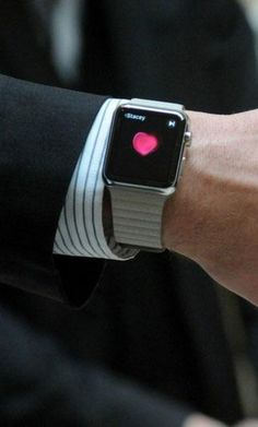 Here are 7 ways Apple Watch will transform how you date.