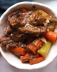 Recipes Videos Pot Roast lovers, this recipe is for you! It's the most delicious and savory Instant Pot Pot Roast made with tons of veggies and a homemade gravy in just 2 hours. Sweet Potato Recipes Healthy, Healthy Recipe Videos, Vegetarian Recipes, Healthy Recipes, Cooking Recipes, Tasty Videos, Clean Dinner Recipes, Clean Eating Dinner, Healthy Pot Roast