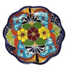 10Pines más para tu tablero Platos talavera Pottery Plates, Ceramic Plates, Mexican Ceramics, Talavera Pottery, Italian Pottery, Mexican Designs, Mexican Folk Art, Pottery Painting, Hand Painted Ceramics