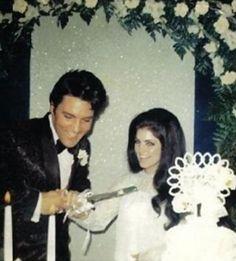 Elvis Presley Wedding Cake