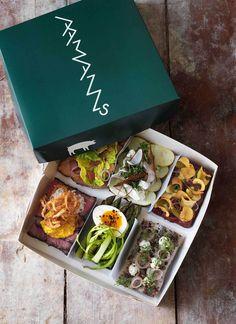 Aamann's 6 Pack, Copenhagen Menue Design, Food Design, Antipasto, Sandwich Packaging, Scandinavian Food, Good Food, Yummy Food, Danish Food, Cooking Recipes