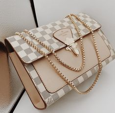ladystylelooks - New LV Collection For Louis Vuitton Handbags,Must have it Cheap Purses, Cute Purses, Cheap Handbags, Prada Handbags, Handbags Michael Kors, Fashion Handbags, Purses And Handbags, Fashion Bags, Cute Handbags