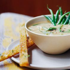 17 Cold Soup Recipes to Help You Beat the Heat: Hungarian Cream of Green Bean Soup Recipe - Teifeles Zoldbab Leves Easy Vegetable Soup, Beans Vegetable, Veggie Soup, Vegetarian Soup, Vegetarian Recipes, Vegetarian Cooking, Bean Recipes, Yummy Recipes, Diet Recipes