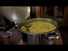 Bourdain has traditional Palestinian meal - YouTube