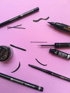 Which eyeliner makes you feel fearless this Friday? Liquid, gel, or pencil? Comment below and tell us if you see your fav here! 👇