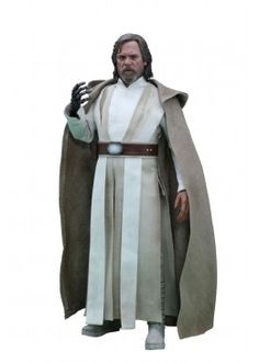 The son of Darth Vader returns with the Star Wars The Force Awakens Luke Skywalker Sixth-Scale Figure. Based on Mark Hamill's incredibly small role as Luke Costume Star Wars, Jedi Costume, Finn Star Wars, Star Wars Vii, Star Wars Figurines, Star Wars Toys, Star Wars Luke Skywalker, Star Wars Collection, Traje Jedi