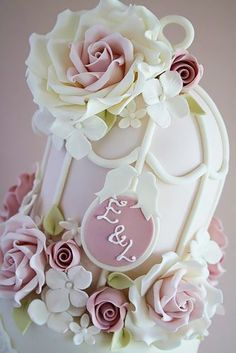 Keralaweddingphotos 140 Beautiful Wedding Cakes,  #BeautifulWeddingCakes