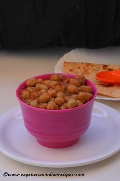 Punjabi chole recipe is a tasty side dish which is made with chickpeas / garbanzo beans.  Very tasty side dish for Indian flatbreads like chapati, paratha, roti, and naan.
