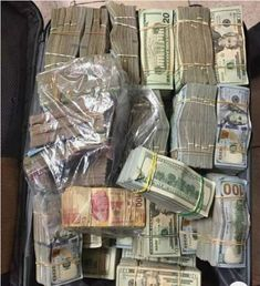 Money Mood Quotes - Money Cash How To Make - Dollar Money Aesthetic - Money Aesthetic Brown Make Money Online, How To Make Money, Diy Online, Mo Money, Money Bill, Cash Money, Money On My Mind, Dollar Money, Money Pictures