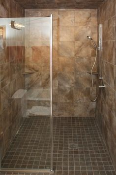 European wetroom / Curbless shower - 3300 By Equalaccesschas