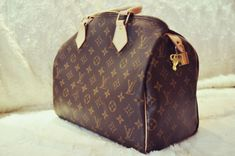 I want, no NEED a classic Louis Vuitton bag!
