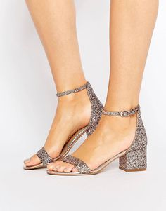 Buy Steve Madden Irenee Mid Heeled Sandals at ASOS. Get the latest trends with ASOS now. Fancy Shoes, High Shoes, Cute Shoes, On Shoes, Me Too Shoes, Shoe Boots, Steve Madden, Pumps Heels, Heeled Sandals