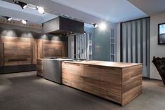 Just the right contemporary Kitchen furniture can make quite a difference both in comfort and eye appeal. See these kitchen furniture picks for ideas. Modern Kitchen Design, Interior Design Kitchen, Home Decor Kitchen, Home Kitchens, Kitchen Furniture, Wooden Kitchens, Kitchen Ideas, Beech Kitchen, Kitchen Island