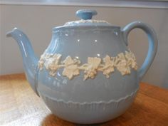 Wedgwood Embossed Queensware cream on lavender shell edge teapot - EXCELLENT!!
