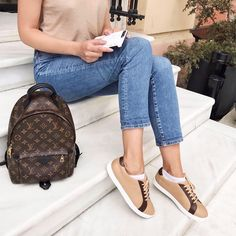 By @annalazdina Louis Vuitton Backpack, Luxury Bags, Fancy, Backpacks, Handbags, Purses, My Style, Model, Clothes
