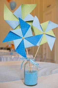 Festa Pipas e Cataventos nas cores laranja e azul bebê para o primeiro aninho d. Kite Party, Decoracion Baby Shower Niña, Diy And Crafts, Paper Crafts, Pinwheels, Birthday Decorations, Baby Boy Shower, First Birthdays, Party Time