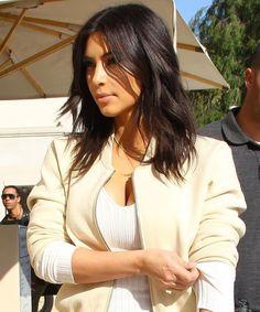 Pictures Kim Kardashian New Hair Style Short Straight Hair, Short Hair Cuts, Kim K Short Hair, Kim Kardashian Cabelo, Kim Kardashian Hairstyles, Kardashian Nails, Kardashian Wedding, Kardashian Style, Bob Hairstyles