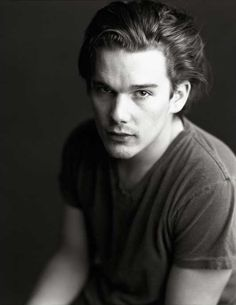 Let's face it, 90's Ethan Hawke was seriously hot.