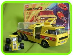 K7 Racing Car Transporter (Clear canopy & Yellow badged #16 race car)