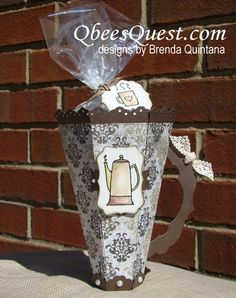 Qbee's Quest: Scored Coffee Cup Tutorial  Love coffee. Love this cup. So glad there's a tutorial!