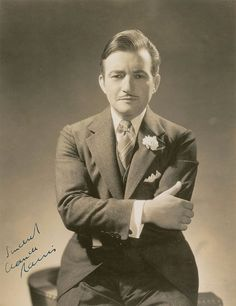 Claude Rains, love the way he speaks. Old Hollywood Movies, Hollywood Men, Hooray For Hollywood, Golden Age Of Hollywood, Vintage Hollywood, Hollywood Stars, Classic Hollywood, Great Movies, New Movies